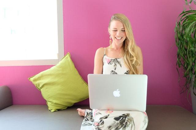 Web design side hustle business ideas for women